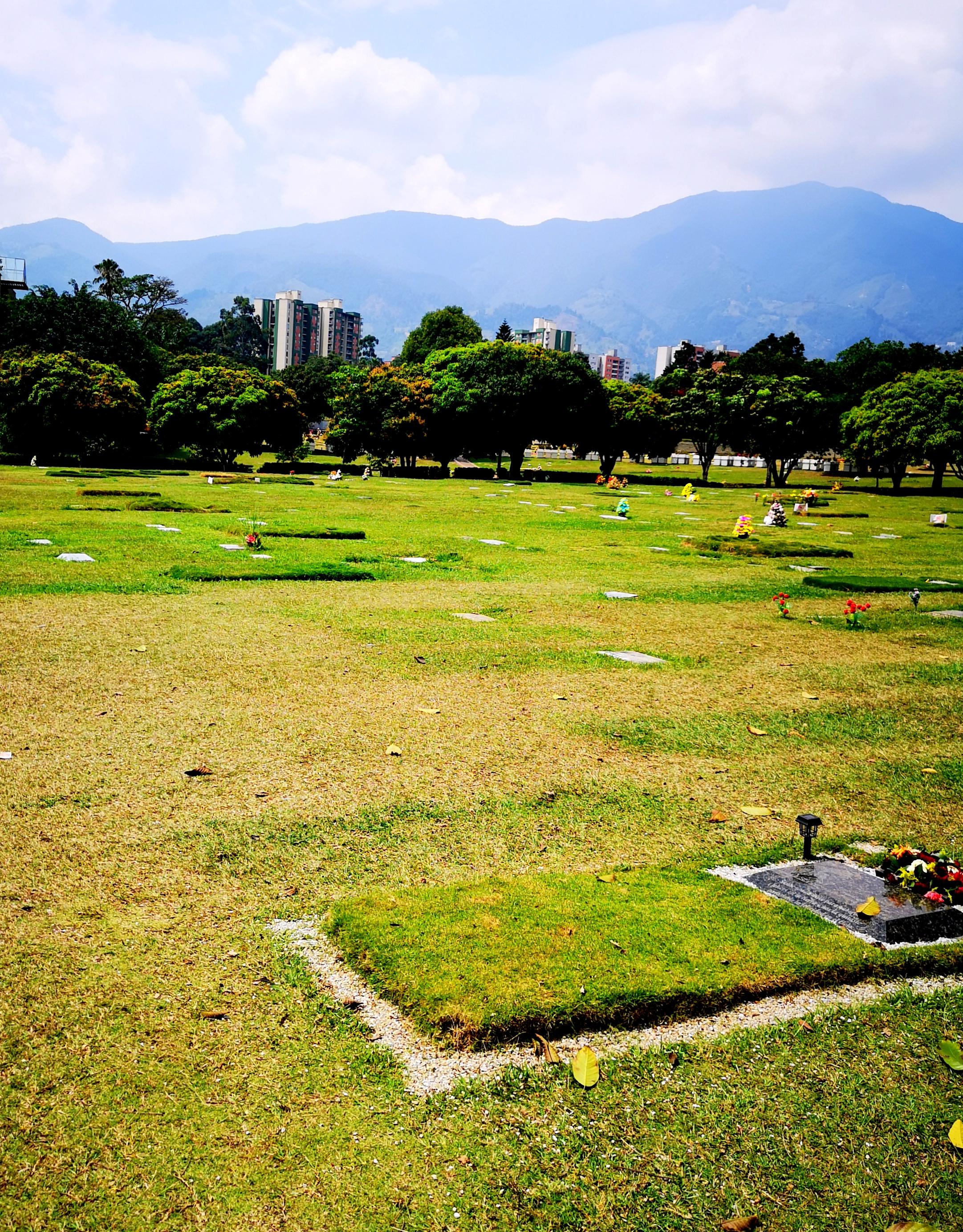 Cemetario Jardins Montesacro gdzie znajduje się grób Pabla Escobar